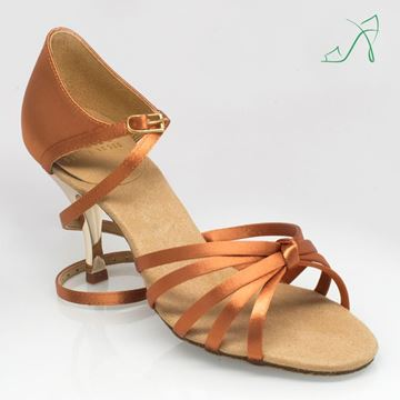 Imagen de 825 Drizzle | ULTRA-FLEX | Light Tan Satin | Gold Heel | Sale